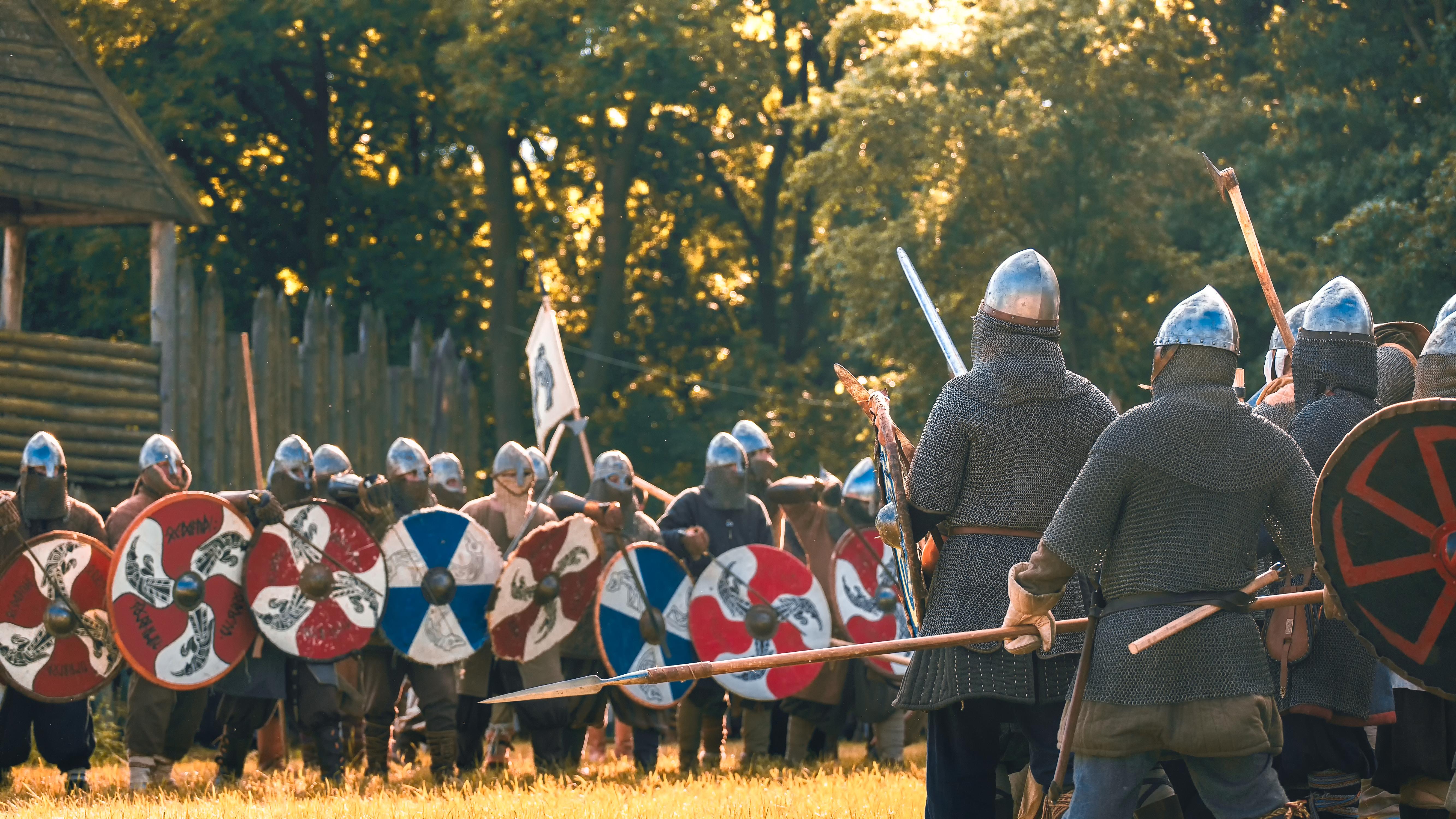 Dawid-Slowinski-Slowianscy-wojowie-podczas-rekonstrukcji-historycznej