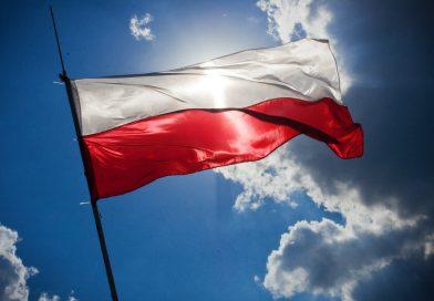 http://kaboompics.com/one_foto/97/flag-of-poland
